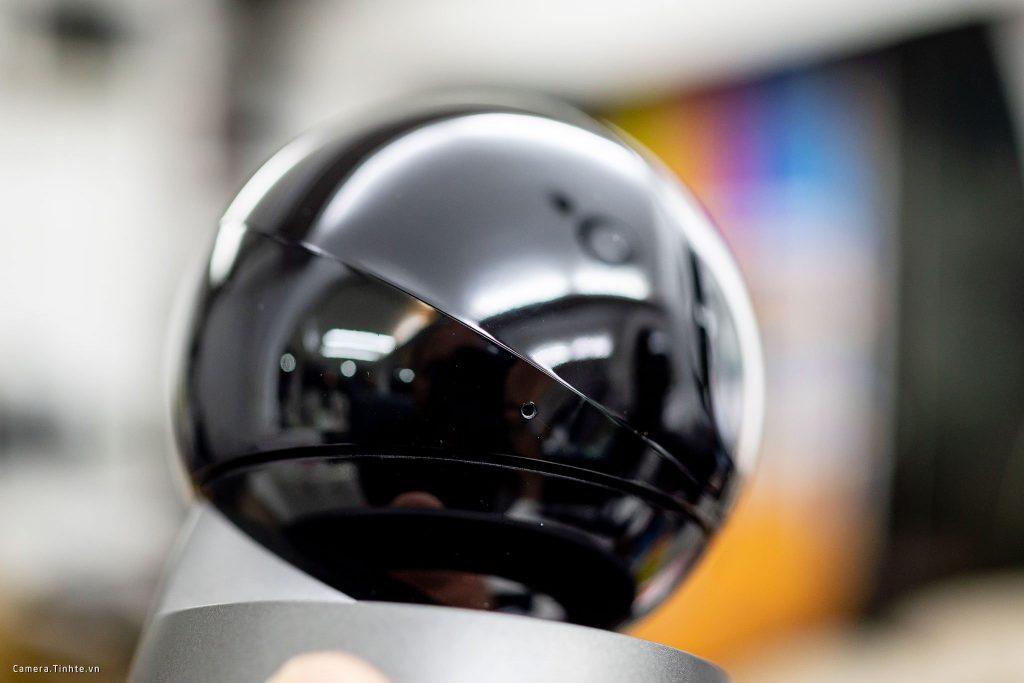 Bên hông camera Ranger Pro có 1 lỗ nhỏ Mic với khả năng thu và phát âm thanh 2 chiều
