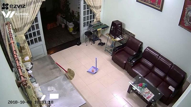 Hình ảnh camera CS-CV246 1080P xem qua app Ezviz trên điện thoại