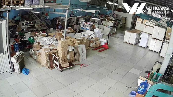 Hình ảnh camera giám sát khu làm việc trong nhà xưởng ở quận 12