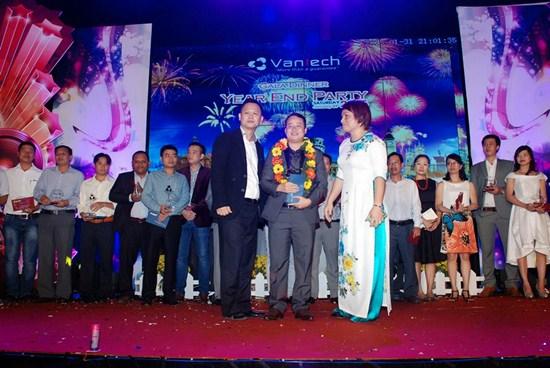 Vinh danh nhà phân phối Vantech lớn nhất năm 2014