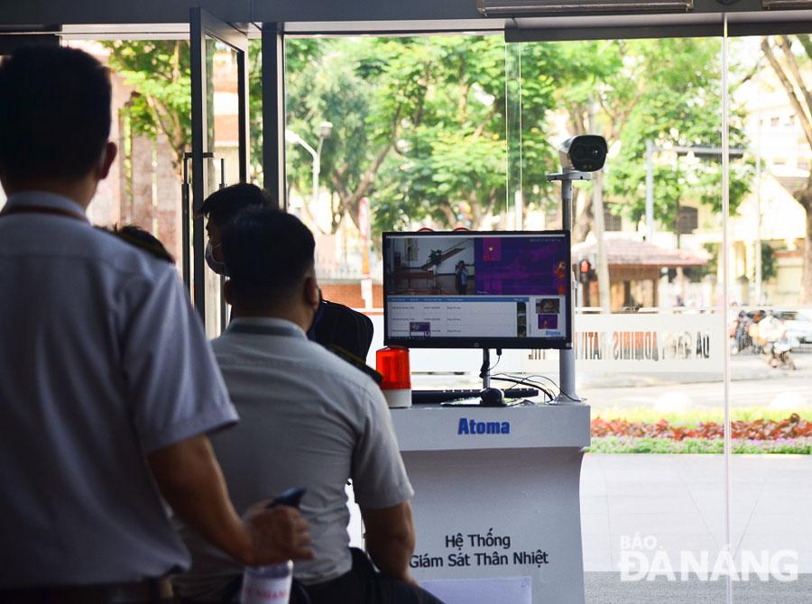 Đo thân nhiệt bởi camera Dahua tại Trung tâm hành chính Đà Nẵng 3