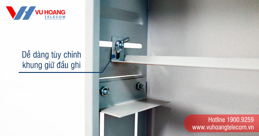 Tủ rack TR12-01 dễ dàng điều chỉnh khung giữ đầu ghi