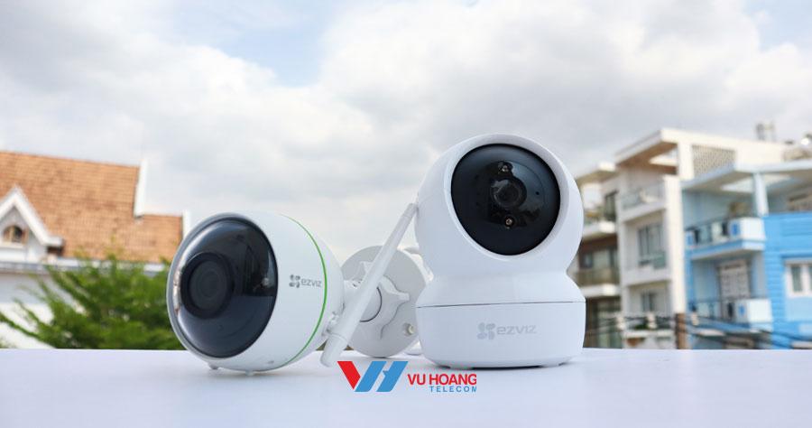 Camera IP wifi được thiết kế khe cắm thẻ nhớ, lưu trữ dữ liệu trực tiếp trên camera mà không cần lắp thêm đầu ghi hình