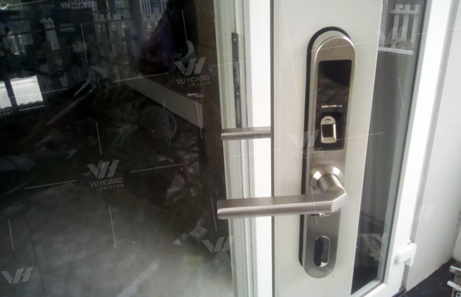 Lưu ý khi lựa chọn khóa vân tay cửa nhôm kính