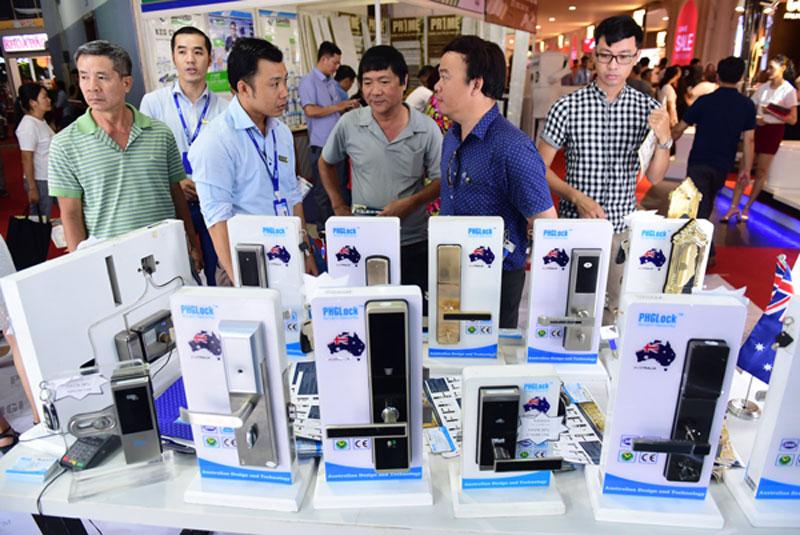 Khóa điện tử PHGLock giới thiệu sản phẩm tại hội chợ Vietbuild
