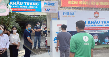 Vũ Hoàng chung tay mở điểm ATM khẩu trang thứ 2 tại quận Bình Thạnh