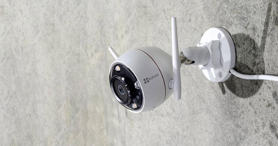 Camera C3W Color Night Pro giám sát có màu cả ngày lẫn đêm